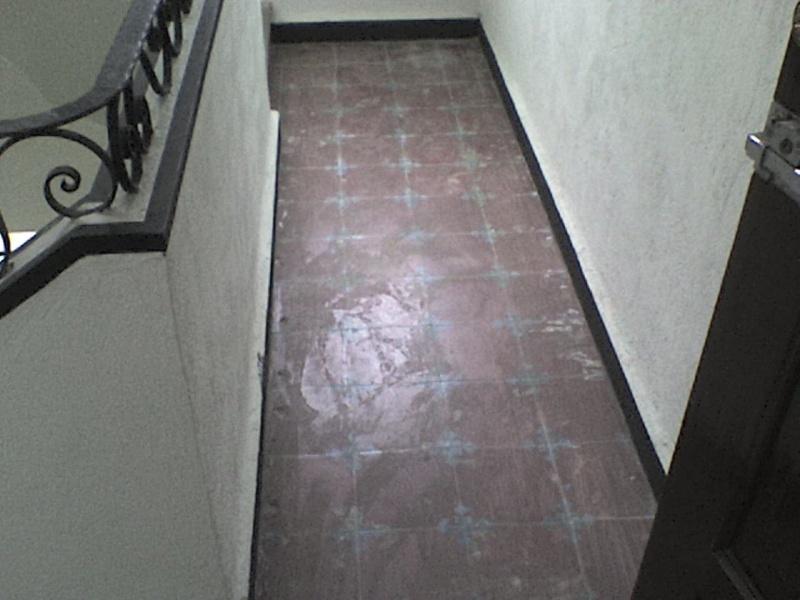 Autonivelante base cemento pisos interiores grupo resitec for Losetas para pisos interiores